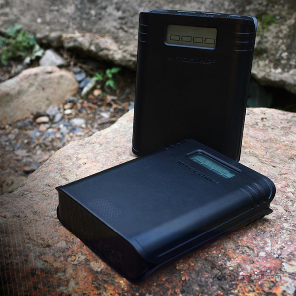 Nitecore F4 Li-ion Battery Charger 60Wh